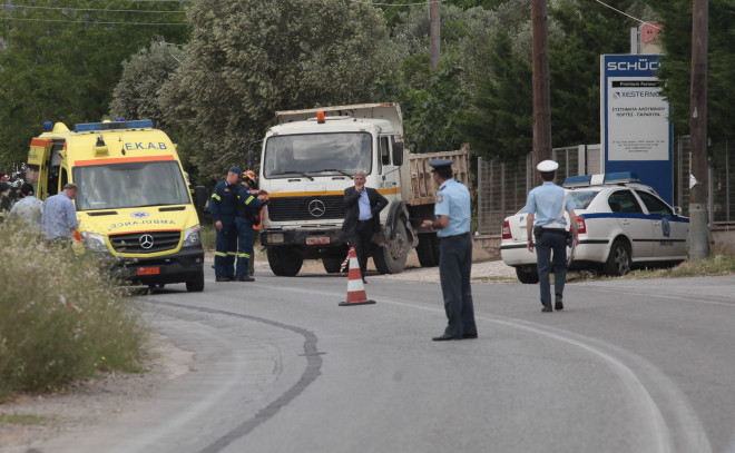 Τροχαίο με δύο νεκρούς και έναν τραυματία στο Κορωπί