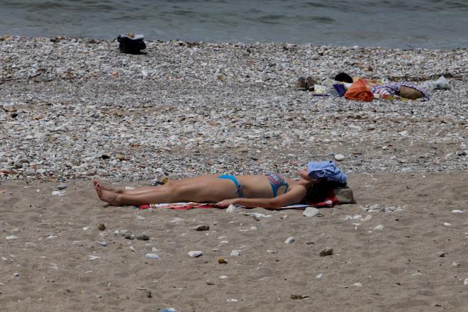 Πολίτες ψήφισαν και πήγαν... παραλία