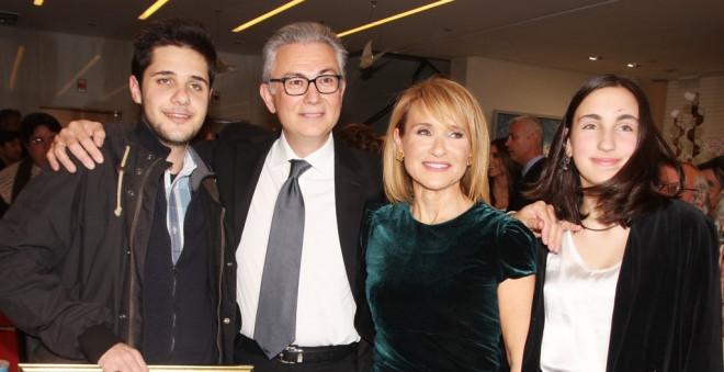 Ρουσόπουλος, Ζαχαρέα και τα παιδιά τους