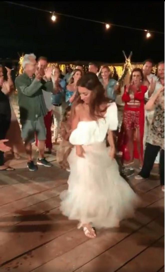 Βάσω Λασκαράκη νυφη