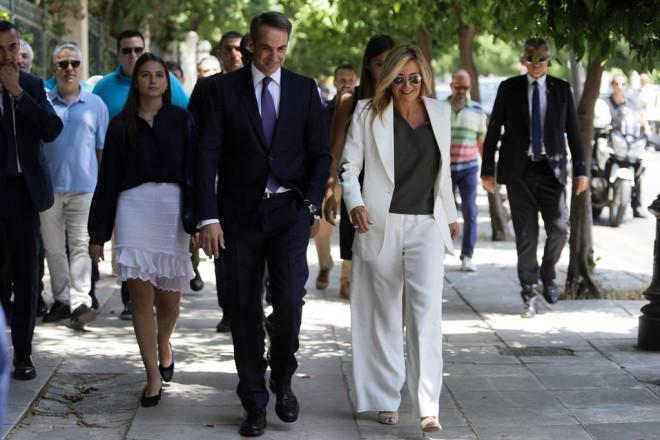 Ο Μητσοτάκης ορκίζεται πρωθυπουργός