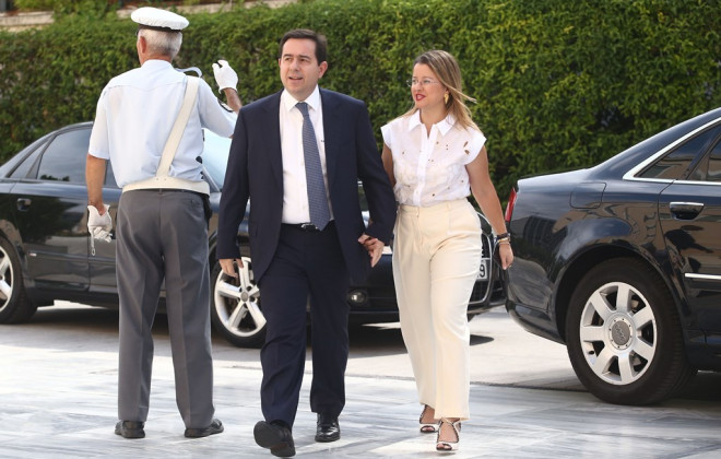 Ο Νότης Μηταράκης και η σύζυγός του