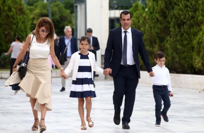 Ο Θάνος Πλεύρης και η οικογένειά του