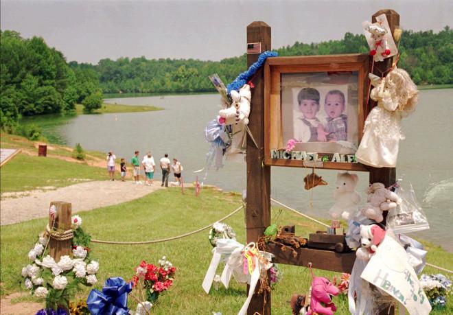 η λίμνη που βρέθηκαν νεκρά τα παιδιά της suzan smith