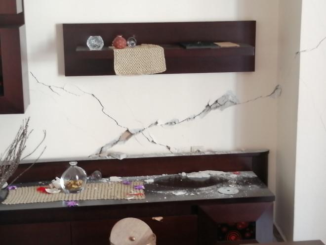 Ακατάλληλη κρίθηκε πολυκατοικία στα Άνω Λιόσια μετά τον σεισμό