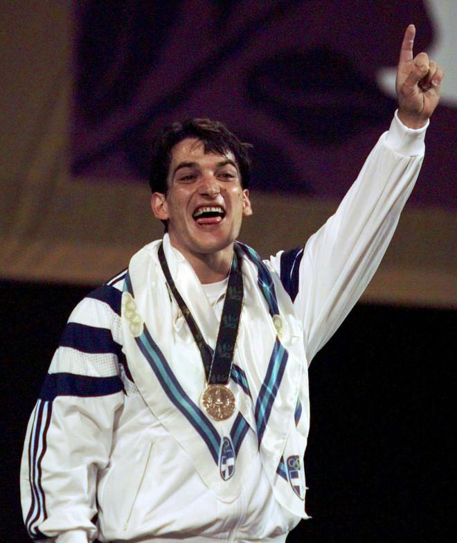 Ο Πύρρος Δήμας με το χρυσό μετάλλιο στην Ατλάντα το 1996