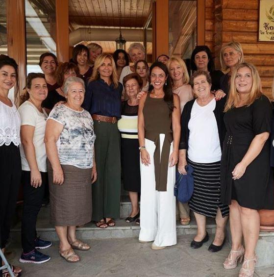 Η Μαρέβα Μητσοτάκη με τις γυναίκες του Συνεταιρισμού