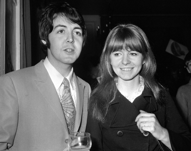 O Paul McCartney με τη σύντροφό του Jane Asher
