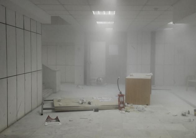 Επεισόδια στη δικαστική αίθουσα - Μέχρι και πυροσβεστήρες χρησιμοποιήθηκαν