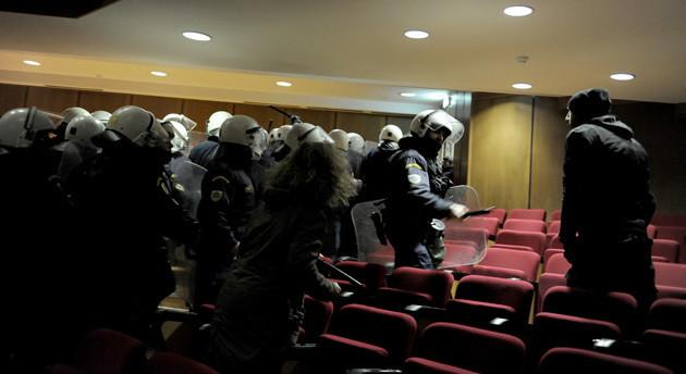 Απαράδεκτα επεισόδια μέσα στη δικαστική αίθουσα