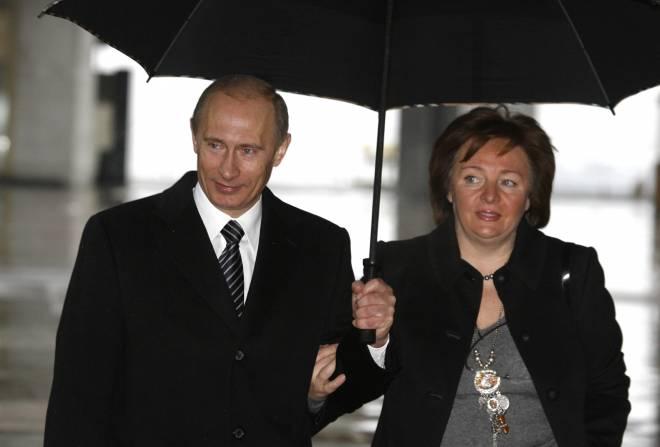 Η Λουντμίλα Αλεξάντροβνα με τον Πούτιν
