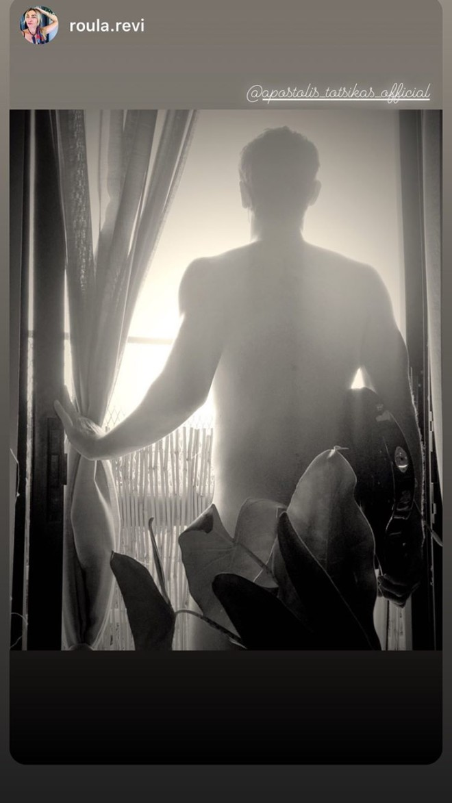 Αποστόλης Τότσικας Ποζάρει γυμνός στον φωτογραφικό φακό της Ρούλας Ρέβη