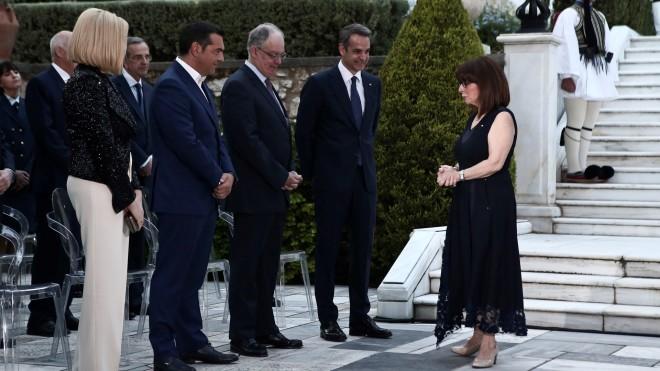 H ΠτΔ συζητά με τον Κ. Μητσοτάκη, τον Κ.Τασούλα, τον Α.Τσίπρα και τη Φ. Γεννηματά