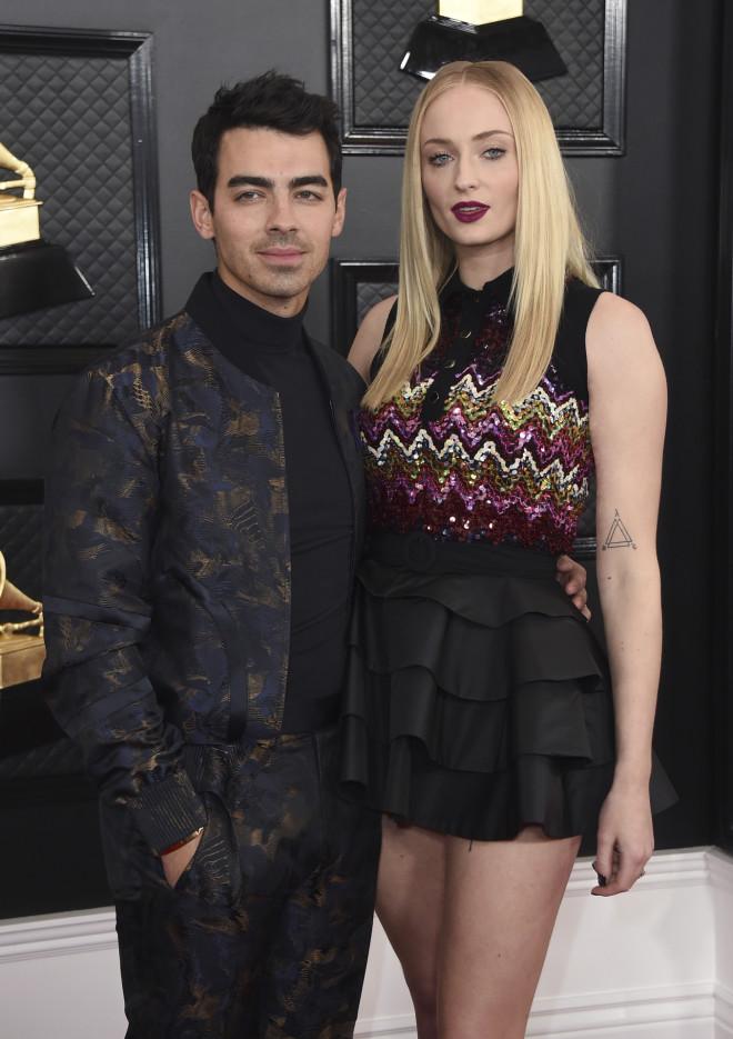 Γονείς για πρώτη φορά έγιναν η Sophie Turner και ο αγαπημένος της Joe Jonas γέννησε