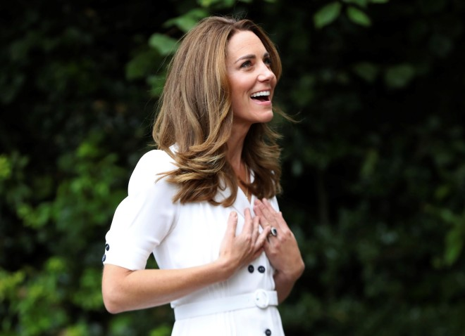 Kate Middleton: Με Μάσκα Σε Φιλανθρωπική Εκδήλωση | Star.gr
