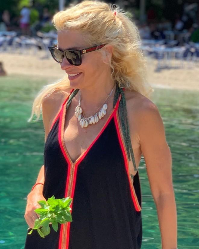 Ελένη Μενεγάκη νέα φωτογραφία από τις διακοπές στη Νάξο