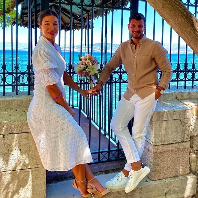 Ισαάκ Σεμερτζίδης Παντρεύτηκε Ο Παίκτης Του Power Of Love