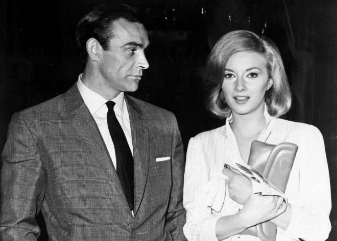 Ο Σον Κόνερι με τη συμπρωταγωνιστρία του στην ταινία«Τζέιμς Μποντ, πράκτωρ 007: Από τη Ρωσία με αγάπη»,Ντανιέλα Μπιάνκι. AP Imag