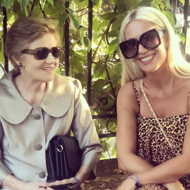 Μαρία Μπακοδήμου Ποζάρει με τη μητέρα της για το Instagram