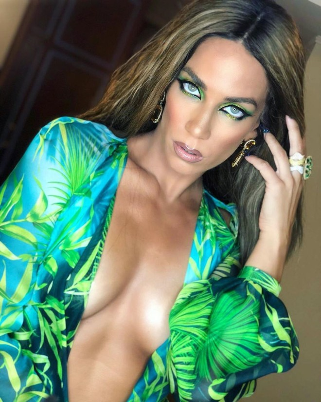 Η Jennifer Lopez στο Μιλάνο  Κατερίνα Στικούδη Versace