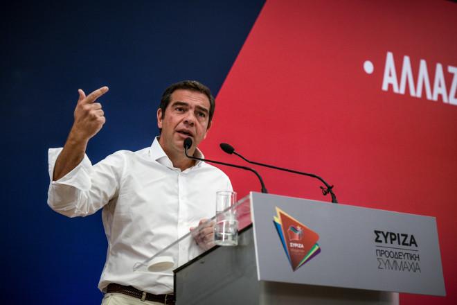 Αλέξης Τσίπρας Κάθε μέρα που περνά η κυβέρνηση κατεδαφίζει αντί να χτίζει ΣΥΡΙΖΑ επιθεση