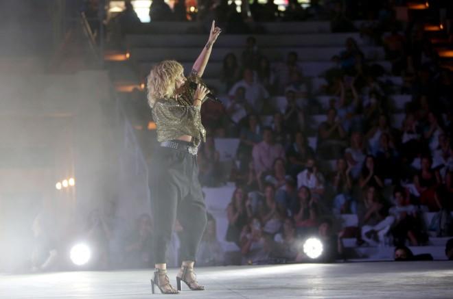 Ελεονώρα Ζουγανέλη: Ο Σύντροφός Της Πήγε Στη Συναυλία Της | Star.gr