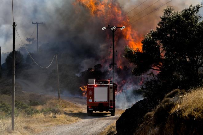 Υπό Έλεγχο Η Φωτιά Στην Ανάβυσσο | Star.gr