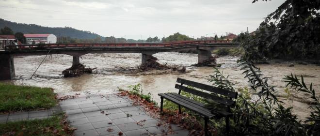 Εικόνες απίστευτης καταστροφής στο Μουζάκι από τον Ιανό