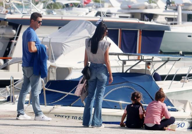 Αντώνης Σρόιτερ & Ιωάννα Μπούκη με τις κόρες τους