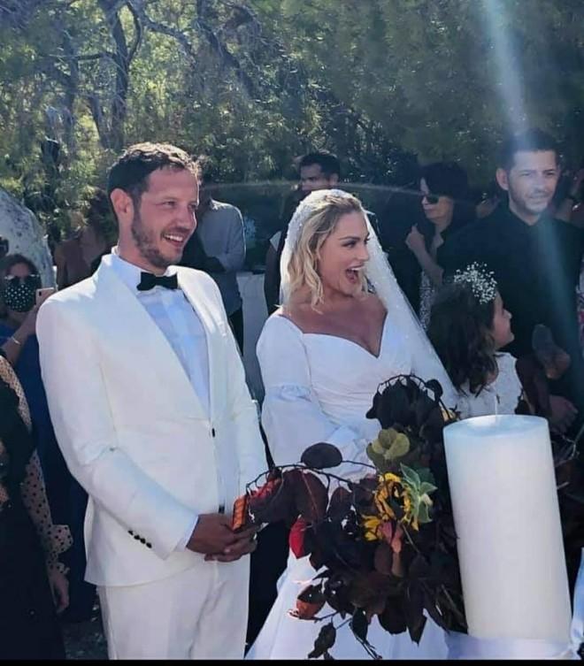 Ζουγανέλη δημητριου γάμος