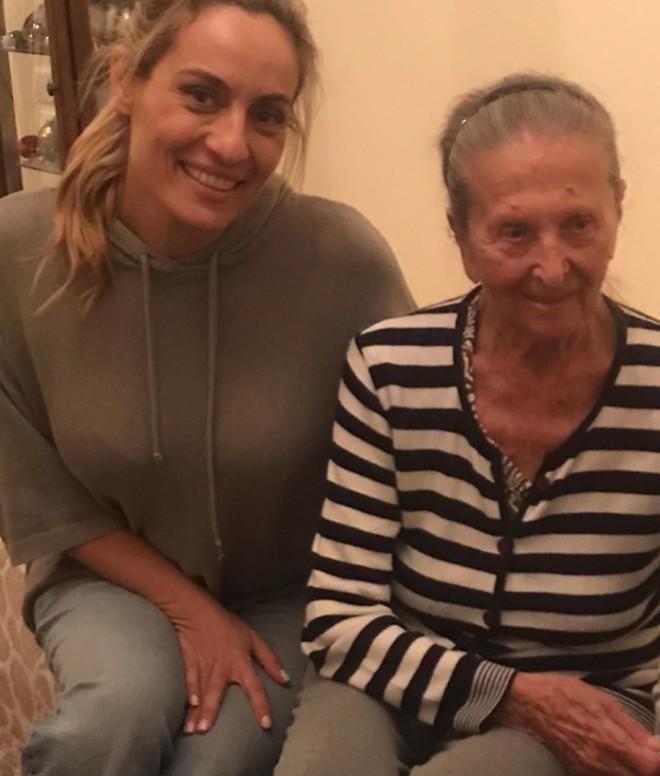 Ελεονώρα Μελέτη γιαγιά
