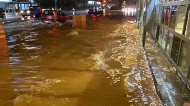 Χανιά πλημμυρισμένοι δρόμοι