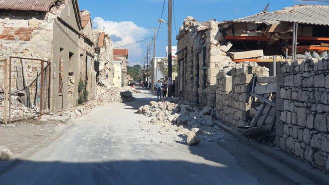 Ζημιές σεισμός Σάμο03