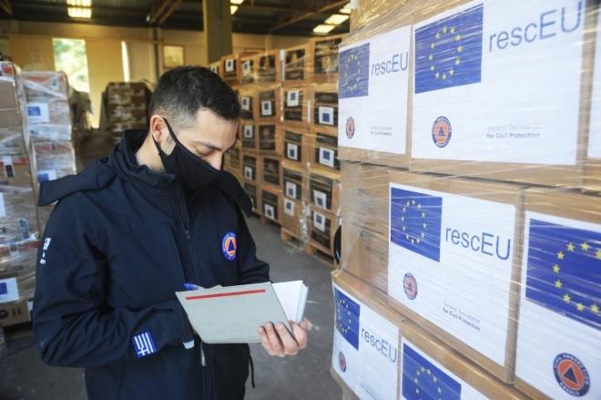 αποστολή υλικού στη Γαλλία