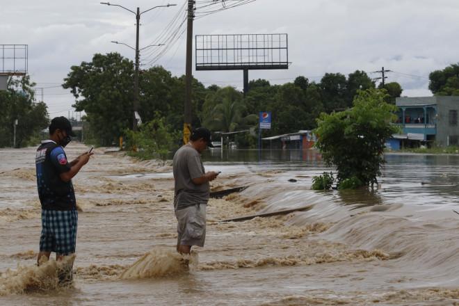 Mετά το πέρασμα του τυφώνα από την Ονδούρα