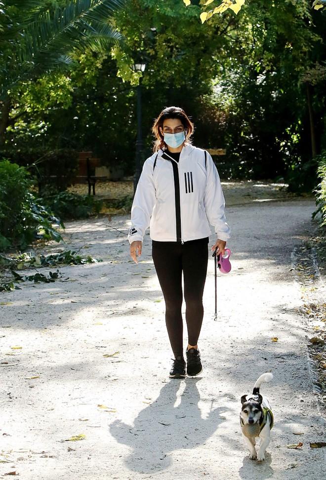 Τόνια Σωτηροπούλου: Με casual look στο Ζάππειο