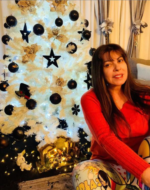 αντζελα δημητριου χριστούγεννα δέντρο