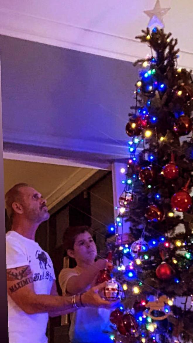 Πέτρος Κωστόπουλος χριστουγεννιάτικο δέντρο