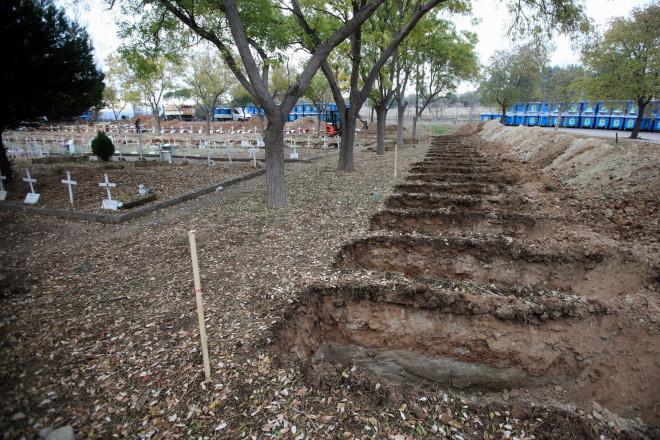 Νέοι τάφοι στο κοιμητήριο Αναστάσεως Θέρμης