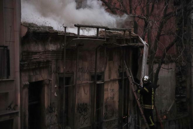 Φωτιά σε εγκαταλελειμμένο σπίτι στα Εξάρχεια
