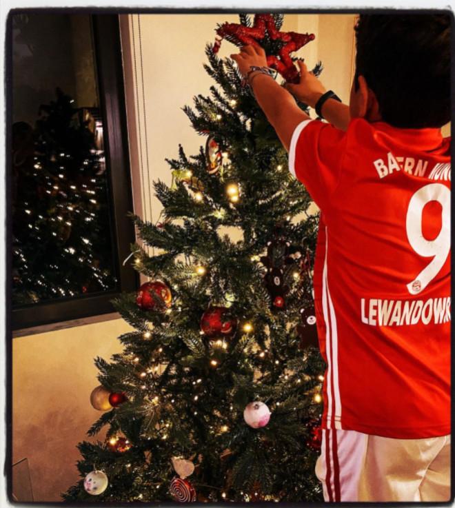 Κατερίνα Παπουτσάκη χριστουγεννιάτικο δέντρο σπίτι γιος οικογένεια