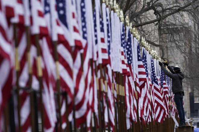 ορκωμοσία Μπάιντεν σημαίες