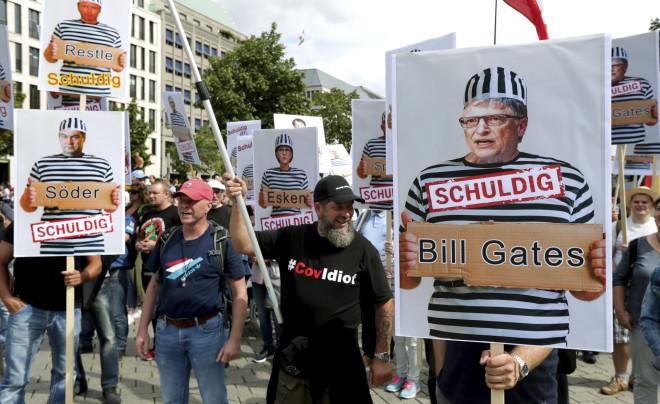 Διαδηλωτές κατά της πανδημίας στη Γερμανία