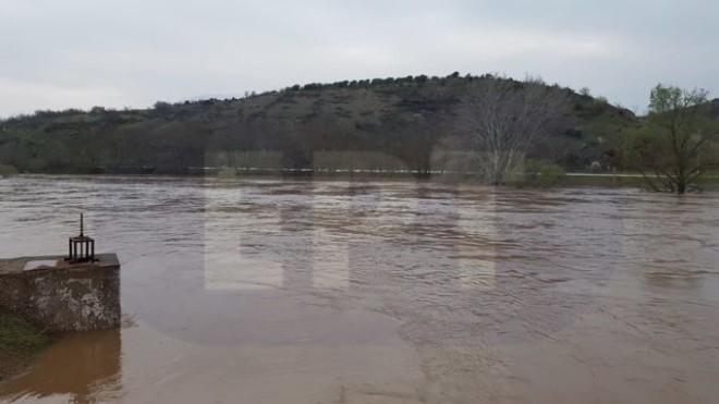 Πλημμύρες από την ισχυρή βροχόπτωση - πηγή ert.gr