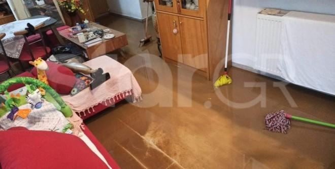 Σπίτια πλημμύρισαν και δρόμοι μετατράπηκαν σε πόταμια - φωτογραφία star.gr