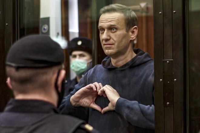 Ο Αλεξέι Ναβάλνι στο δικαστήριο