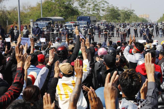 πραξικόπημα Μιανάρ