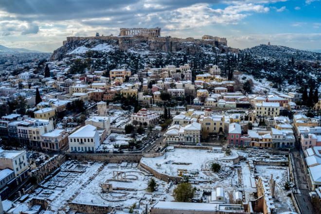 H χιονισμένη Αθήνα από ψηλά-φωτογραφία Eurokinissi