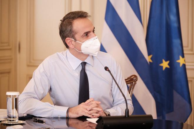 Ο Κυριάκος Μητσοτάκης στο υπουργικό συμβούλιο μέσω τηλεδιάσκεψης