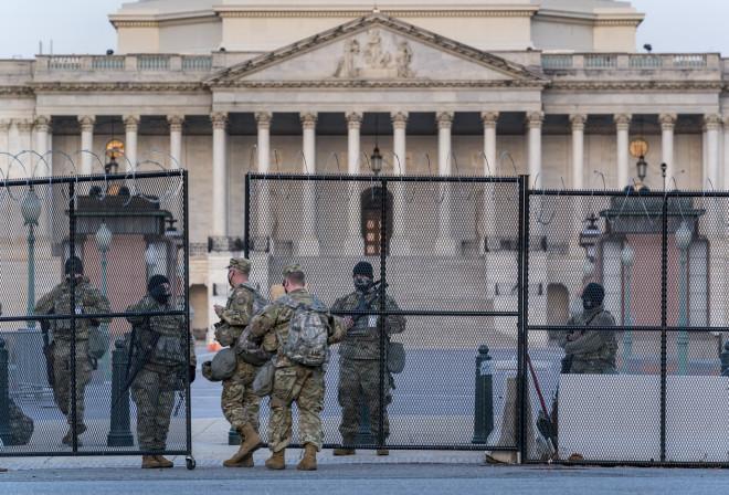 Εθνικά στρατεύματα φυλάσσουν το Καπιτώλιο- φωτογραφία ΑΡ